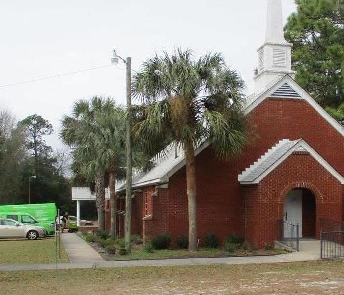 SERVPRO crew arriving to flooded church in Aiken